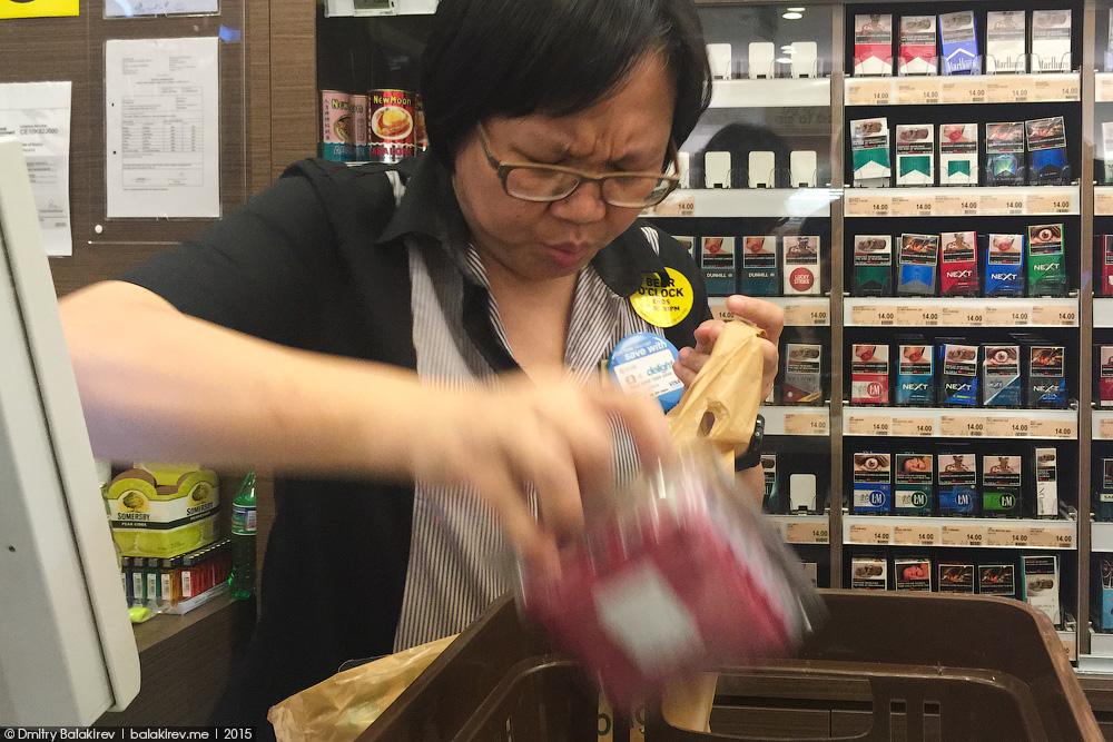 Продуктовый магазин в Сингапуре