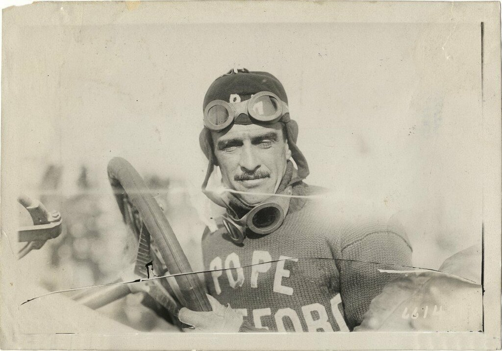 Louis Disbrow - Grand Prix Savannah 1910.jpg