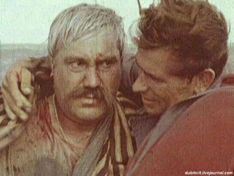 П.Луспекаев и В. Мотыль на съемках фильма «Белое солнце пустыни».jpg