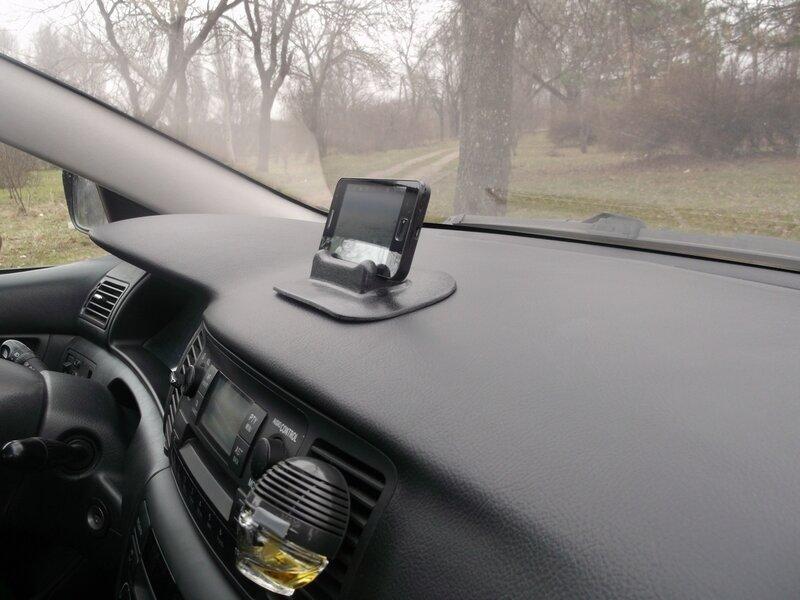 ChinaBuye: Автомобильный коврик-подставка для смартфона