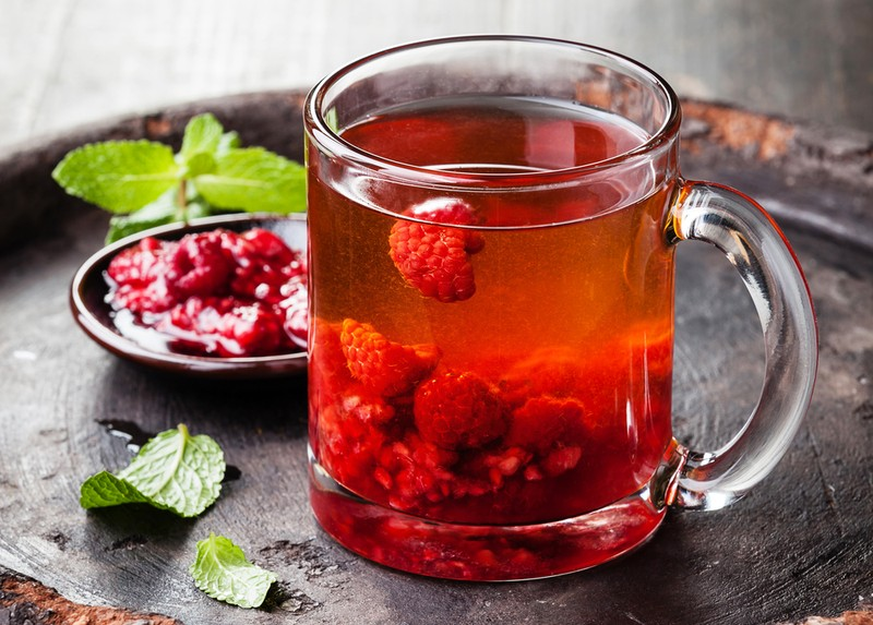 7. Зимний ягодный чай каркаде Аромат свежезаваренного ягодного чая не только напомнит о лете, но и п