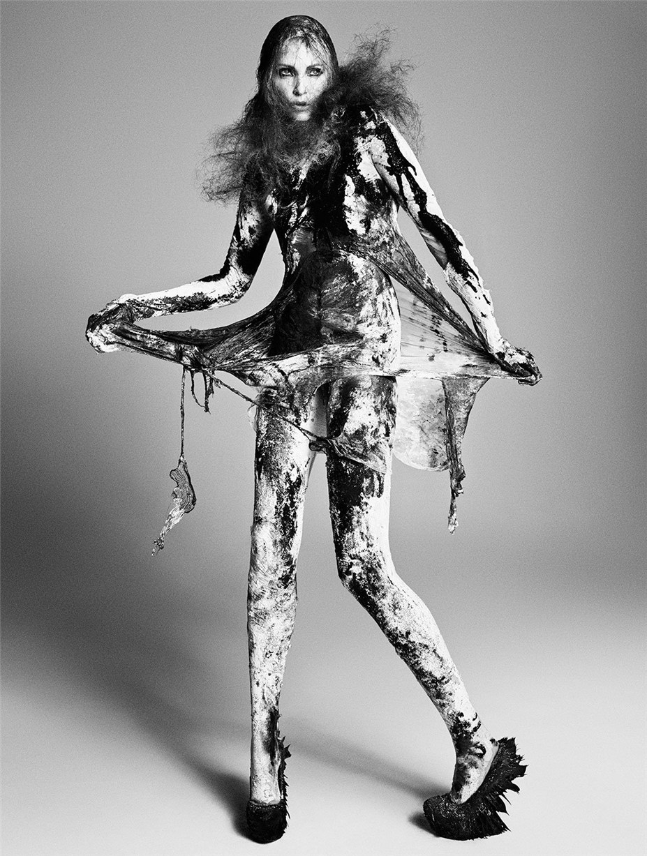 Надя Ауэрман / Nadja Auermann by Luigi + Iango for Exhibition Magazine No.5