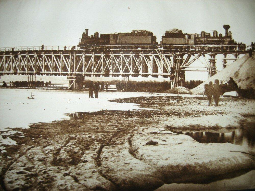 50. Испытания временного моста через реку Томи