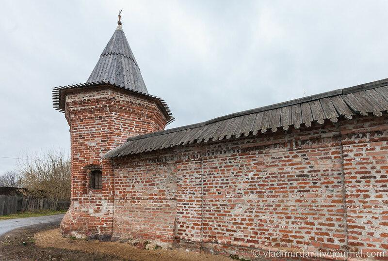 Старая башня Ростовского кремля