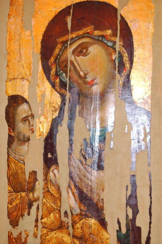 Богоматерь Одигитрия. Византийская икона XIII века в монастыре Хиландар на Святой Горе Афон.