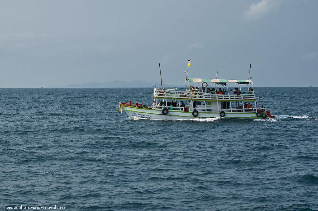 8. Такие паромы курсируют между материком и островом Ко Лан. Цена билета - 30 бат.