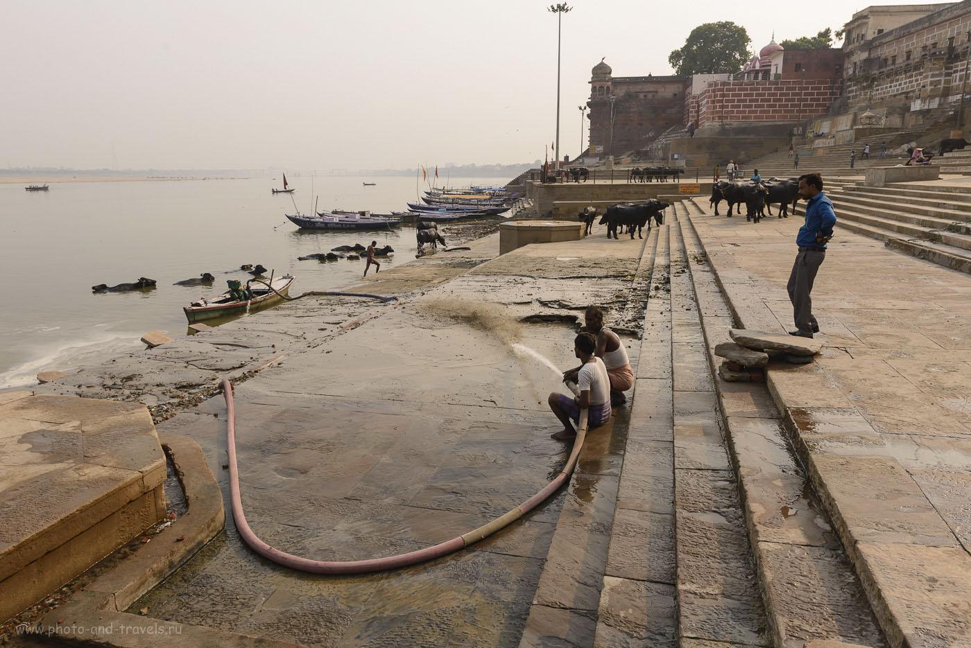 Фото 4. Самостоятельная поездка в Индию. Прогулка по гхатам реки Ганга в Варанаси. 1/1250, 9.0, 125, 24.