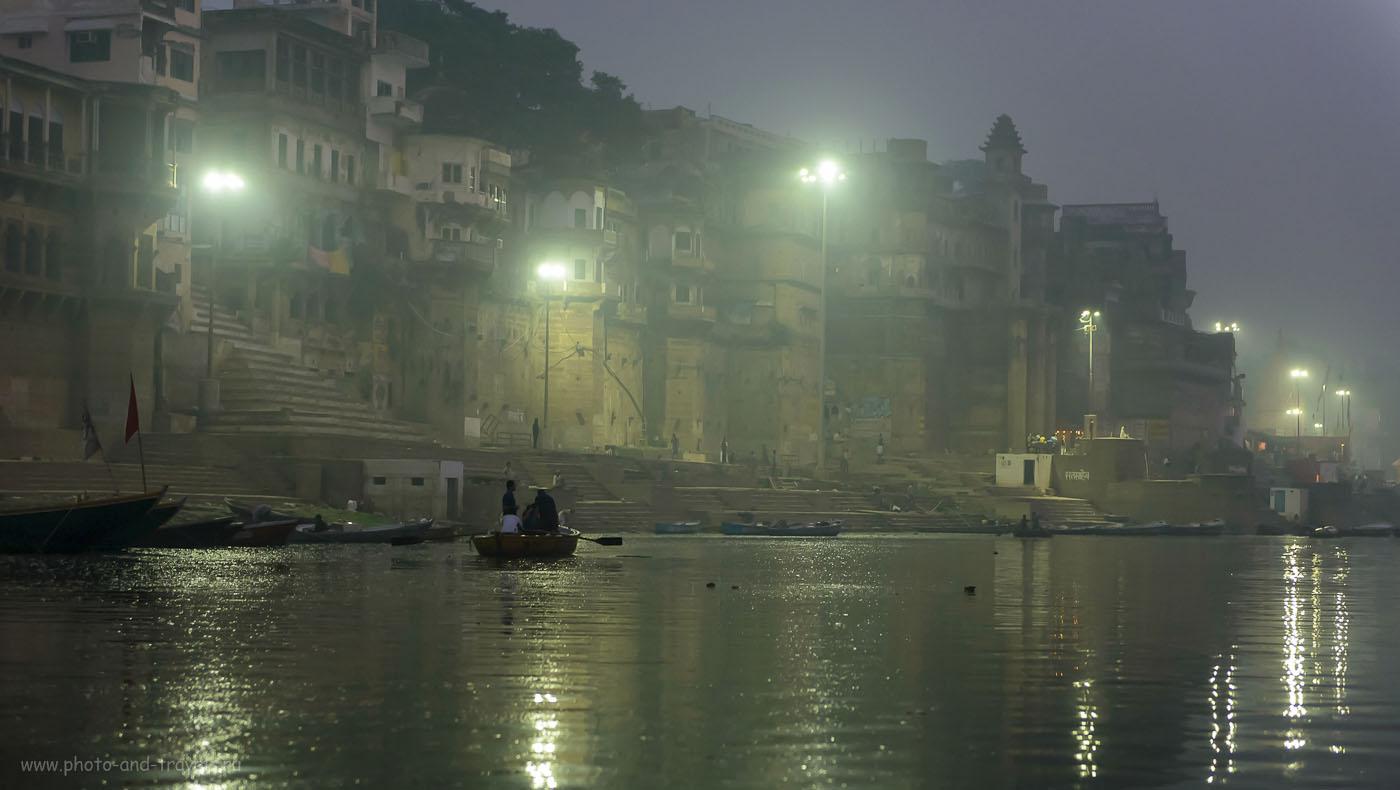 Фото 3. Дворцы на берегу Ганга в Варанаси. Тур в Индию самостоятельно. 1/100, 2.8, 2500, 70.