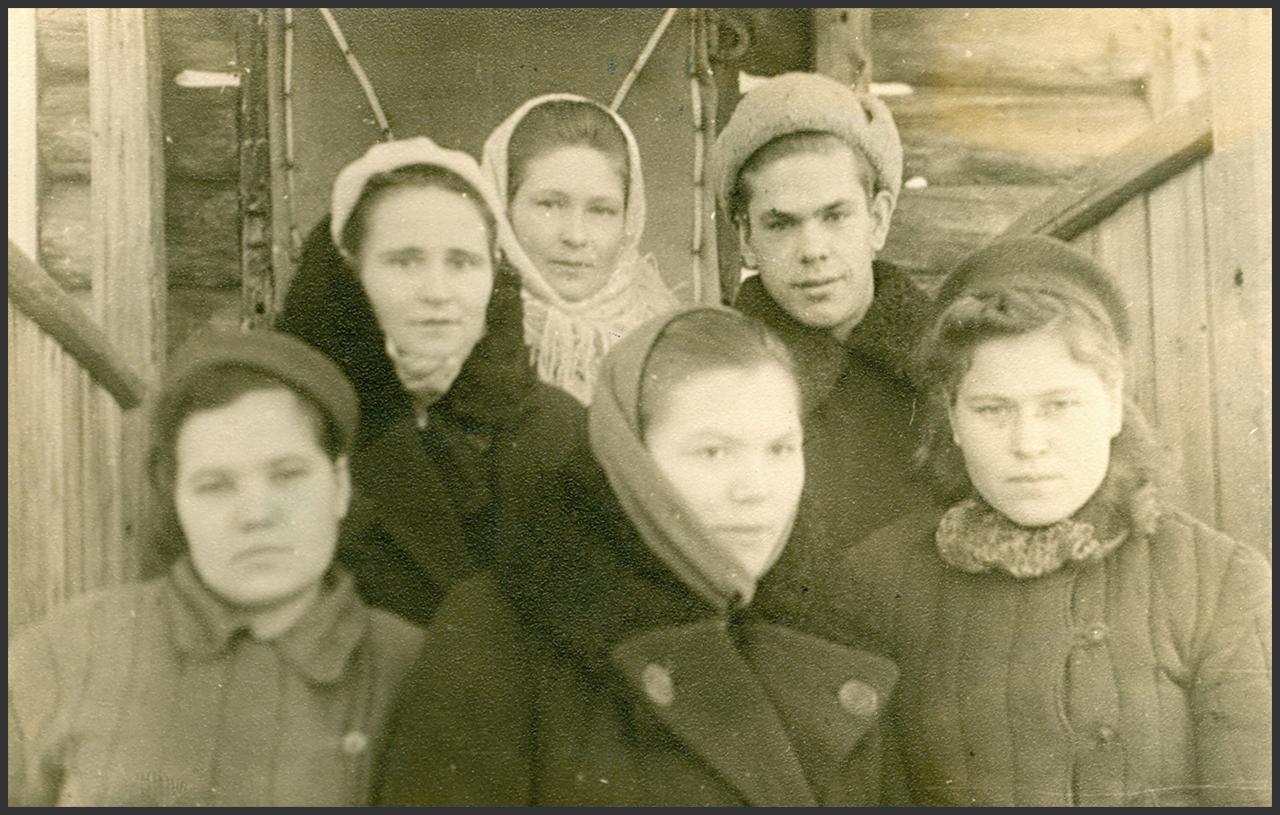 1947. Редактор газеты Кондинского района «Ленинский путь» среди сотрудников