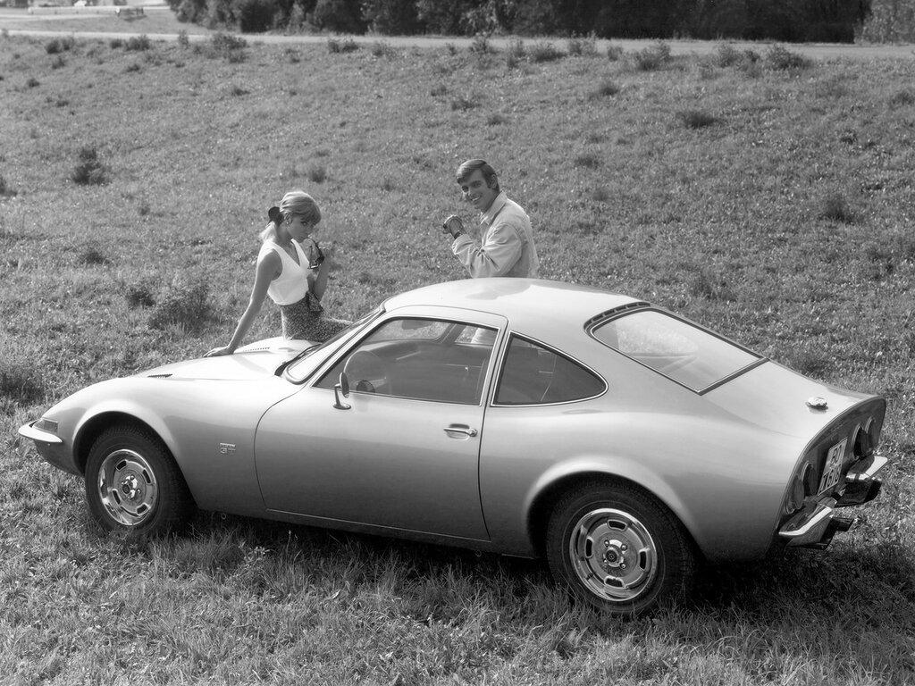 Opel GT '1968-73 2.jpg