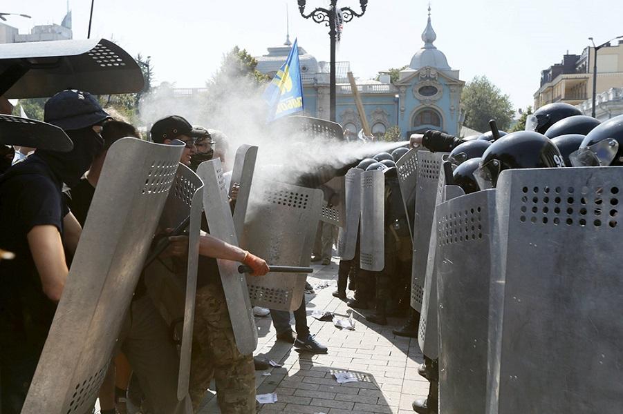UKRAINE-CRISIS/STATUS-POLICE