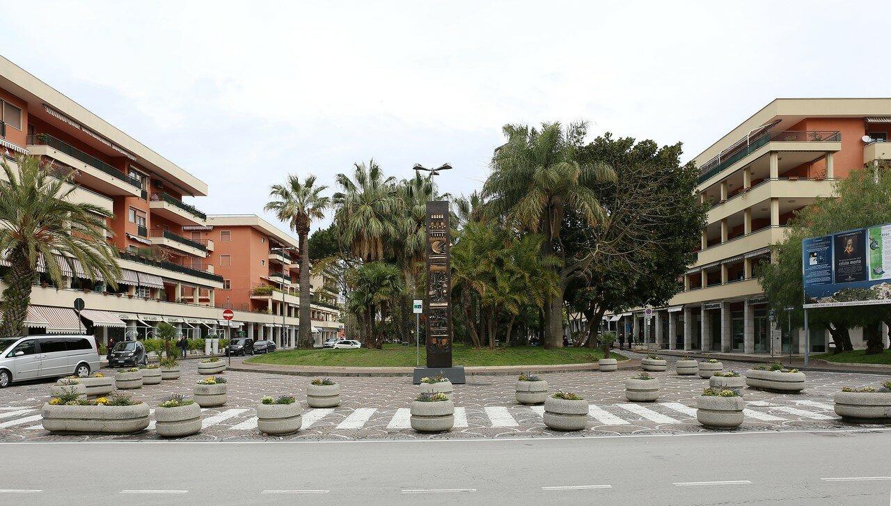 Сорренто. площадь     Анжелино Лаура (Piazza Angelino Laura)