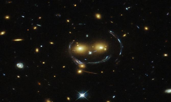 смайлик в космосе
