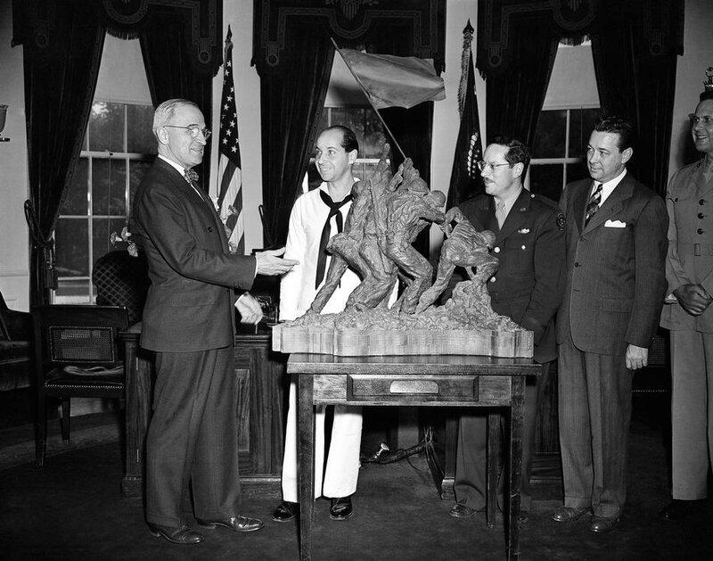 Raising Flag Iwo Jima Sculpture 1945
