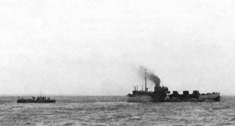 Советская канонерская лодка «Бира» на Ладожском озере в походе, 1943 год