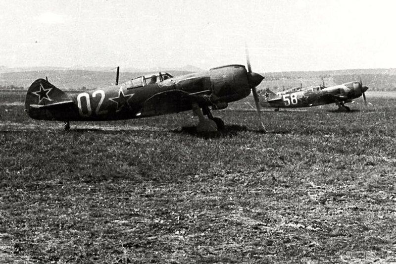 15. zбшн 1944 pшistбla na letiљti Tri Duby иtveшice lavoиkinщ 1....
