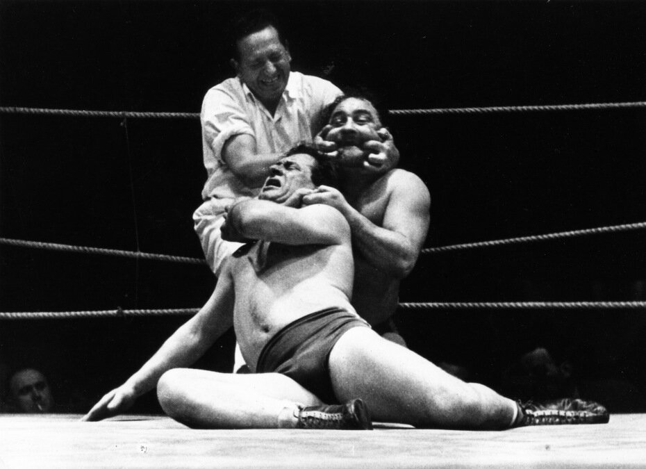 1953. Двойной захват