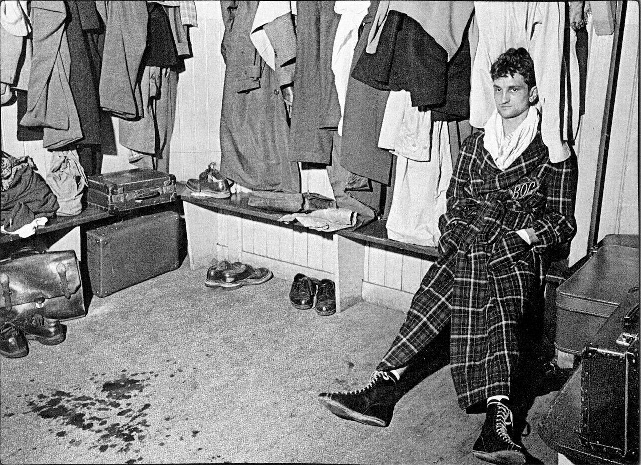 1954. Боксер