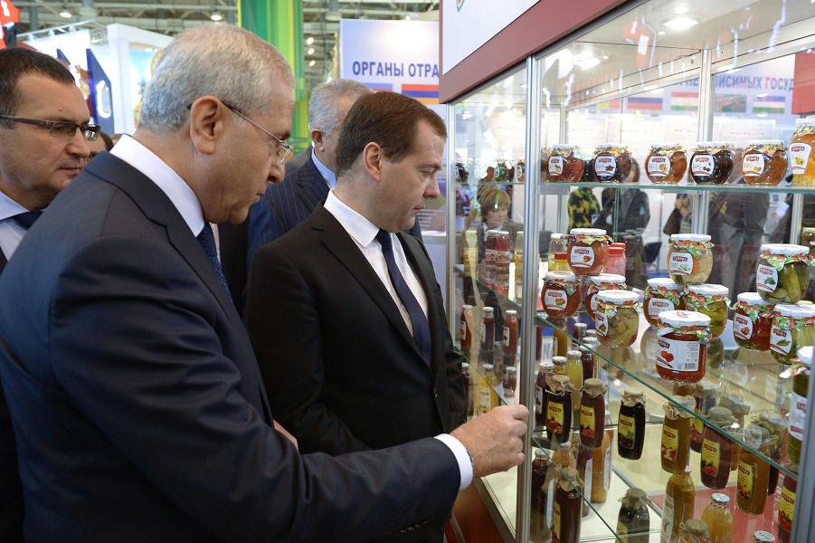 Медведев и внутреннее производство.png