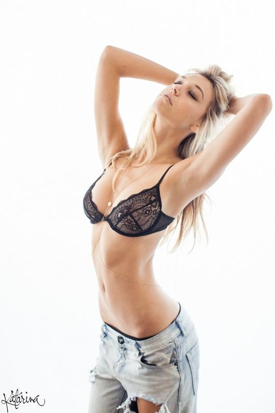 Красивые фотографии молодой модели Алексис Рен 0 1423ca 50abb85d orig
