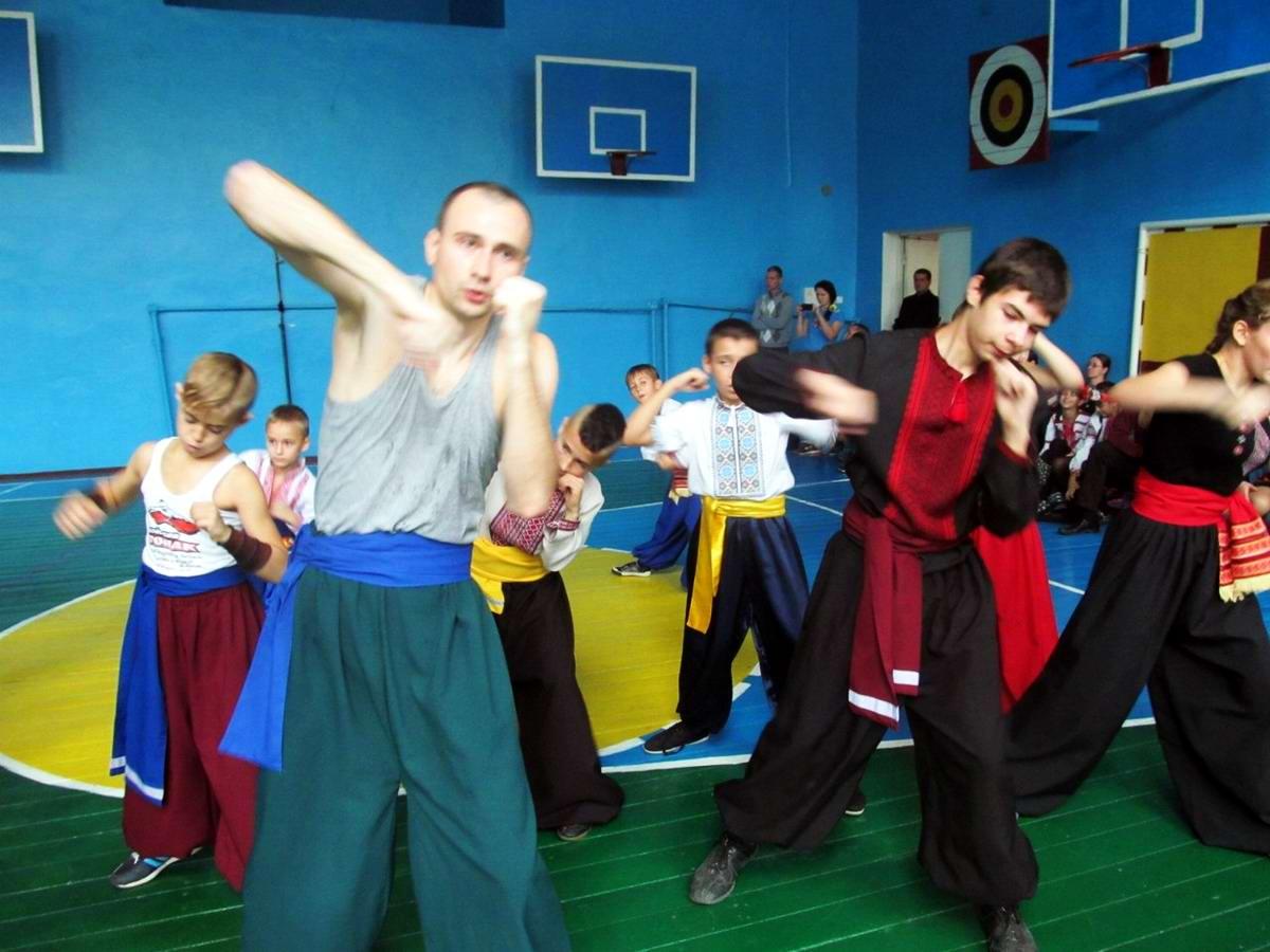 Квалификационный групповой экзамен в школе боевого гопака города Нетешин (Хмельницкая область) (12)
