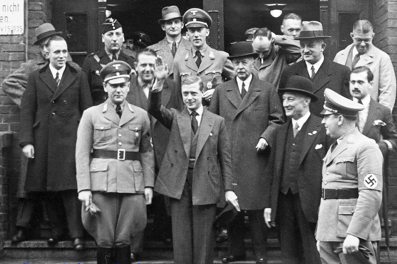 1937. Бывший король Эдуард VIII в нацистской Германии