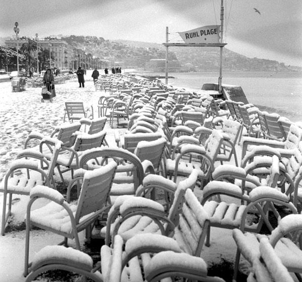 Promenade des Anglais II, Nice, 1956 (Paul Louis).jpg