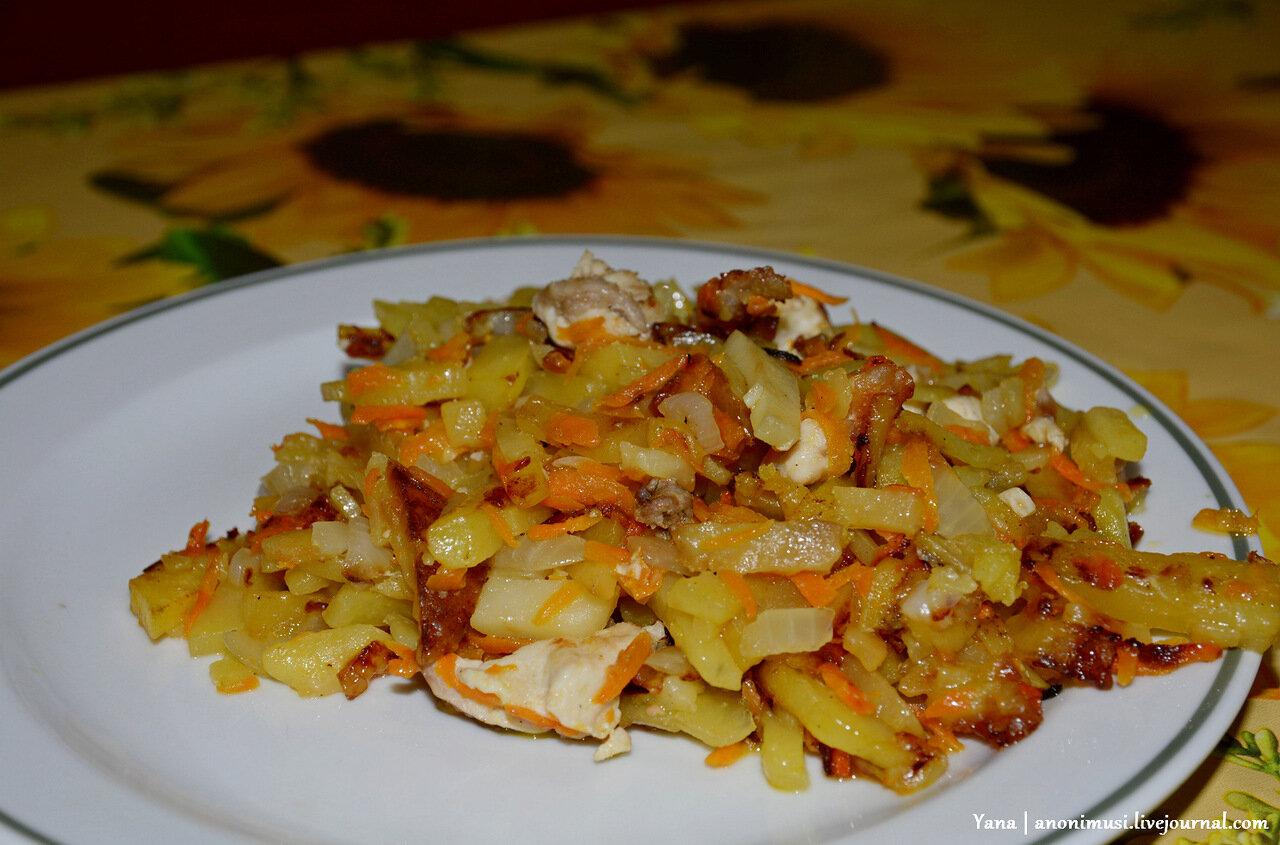 Картошка жареная с квашеной капустой