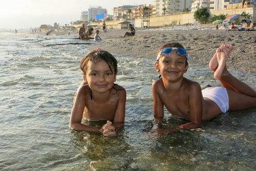 голые девочки на пляже переодеваются
