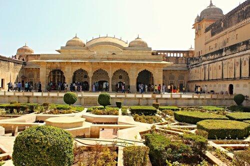 Зеркальный дворец - Джай Мандир-Дворец Победы