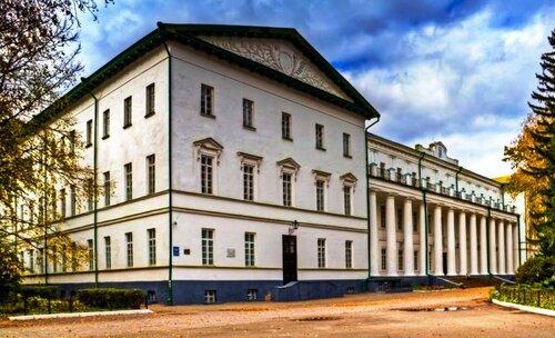 Гімназія вищих наук. Фото SergeyUA