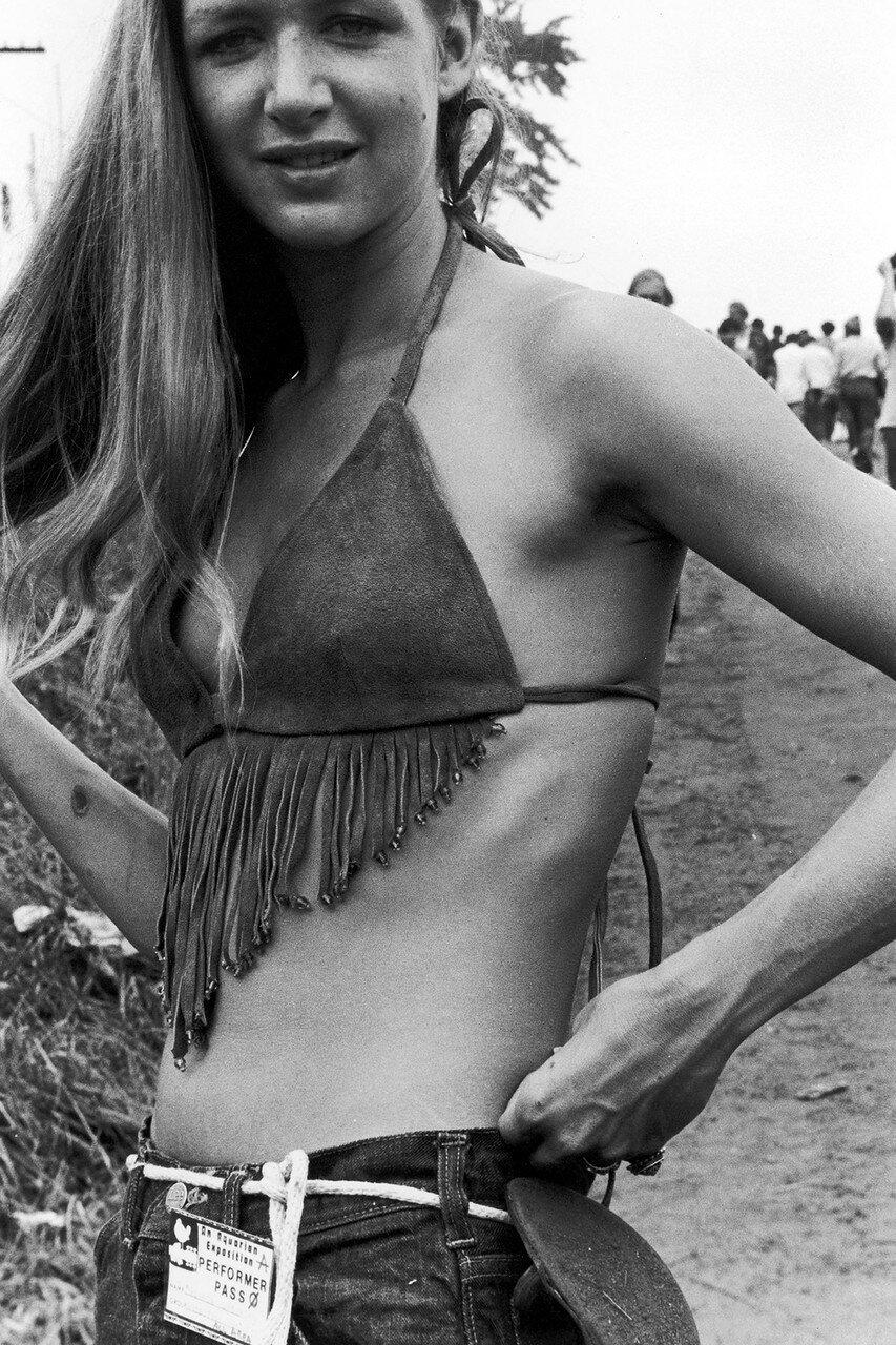 «Кролик мусолил капустный листок, в 1969 году был фестиваль Вудсток»