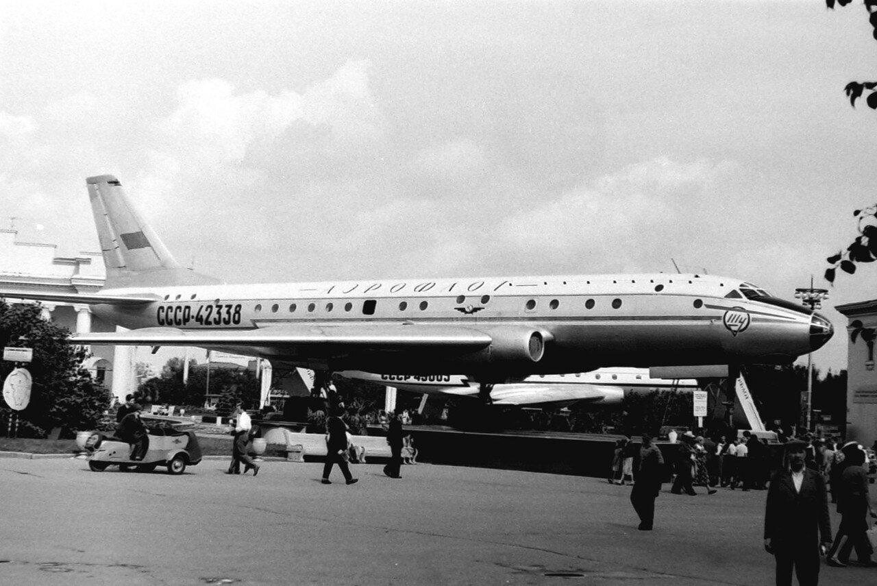 155. Самолёт ТУ-104
