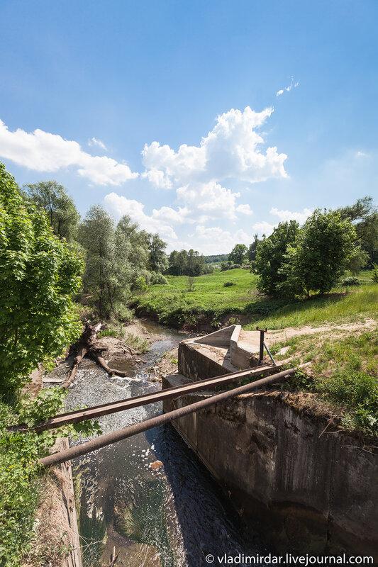 Водосброс Сухановского пруда усадьбы Суханово