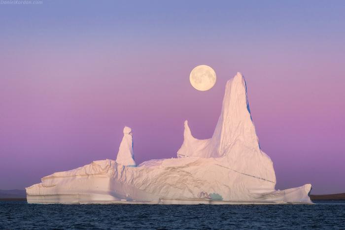Айсберг Фитцрой. С утра до вечера Кордан со своими компаньонами исследовали айсберги, пещеры, скалы