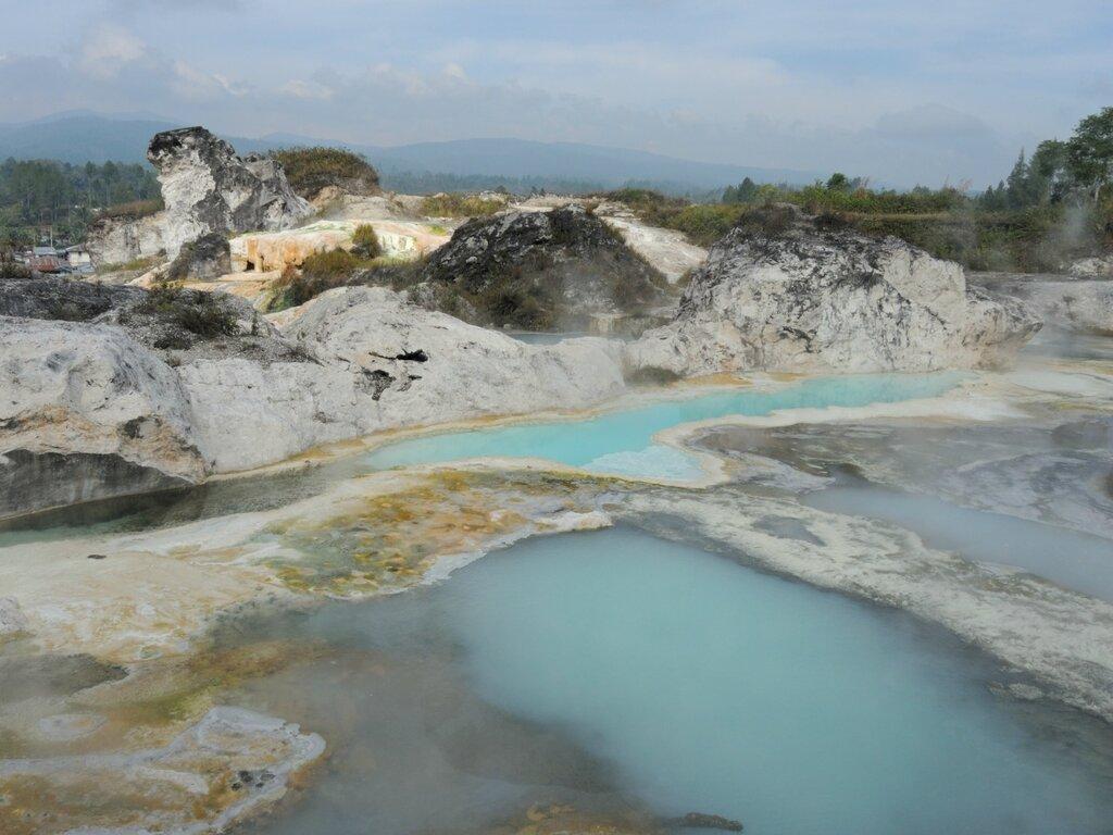 Горячие источники на Суматре