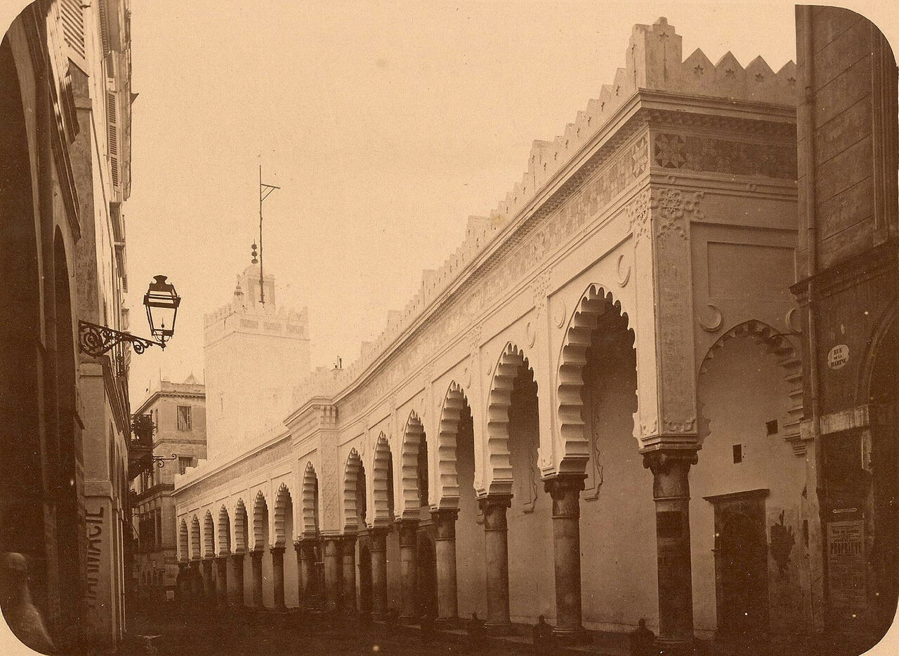 Алжир. Морская улица