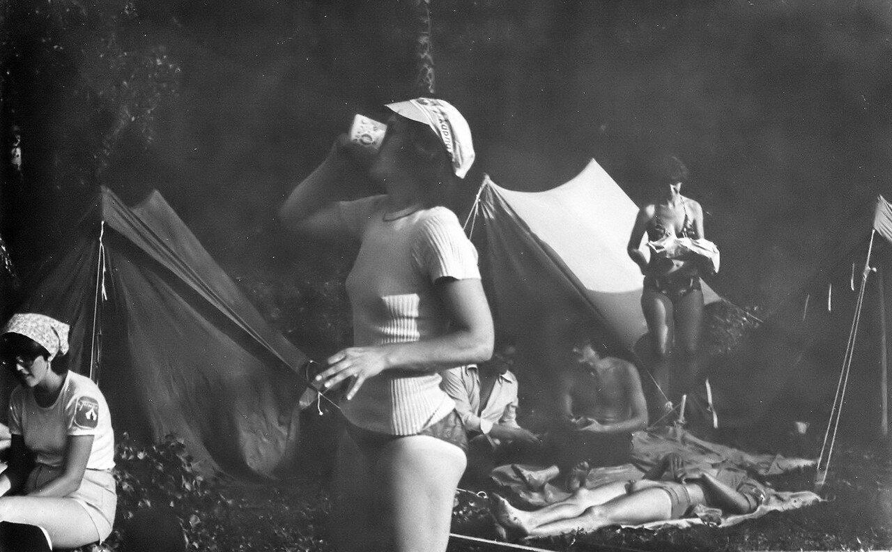 1980. Туристы. Осень