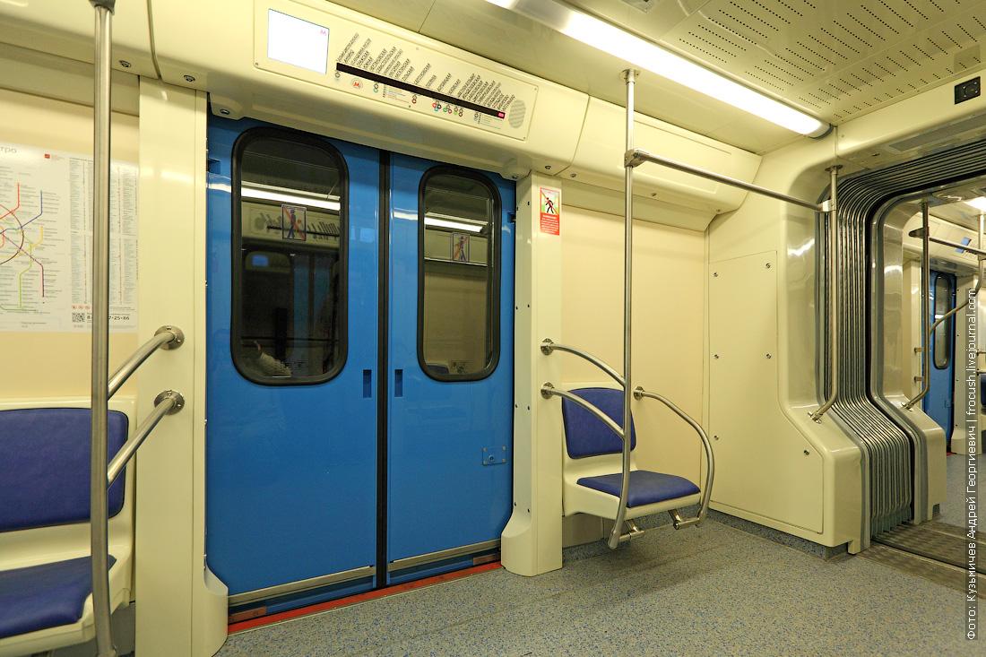 интерьеры вагона 81-760А метропоезд