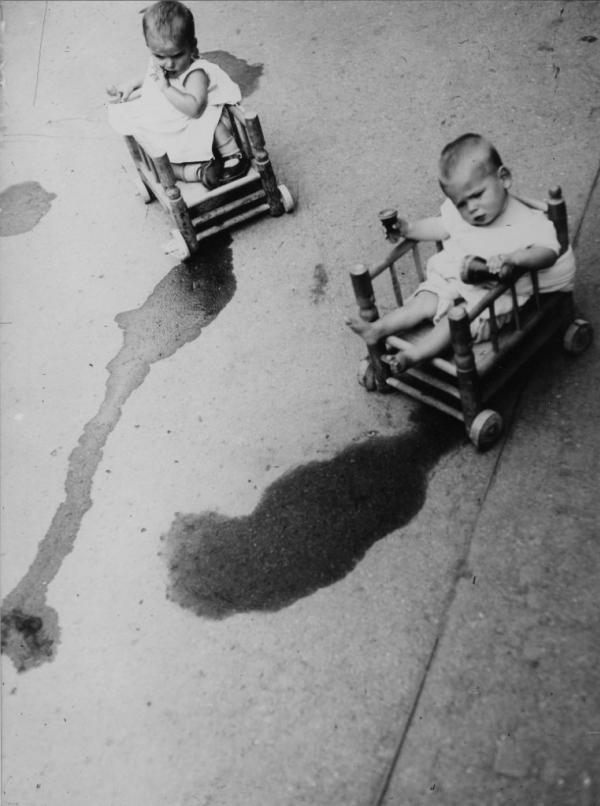 Photo by Boris Ignatovich, 1928.jpg