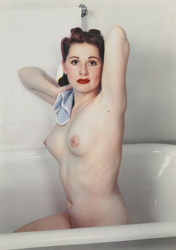1936c Paul Outerbridge  NUDE IN BATH.Jpeg