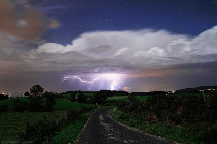 Красивые фотографии молний в самых разных местах и ситуациях 0 a5517 cb6d7e64 orig