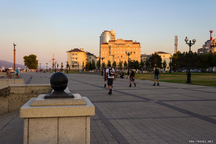 Набережная Новороссийска. Вечер