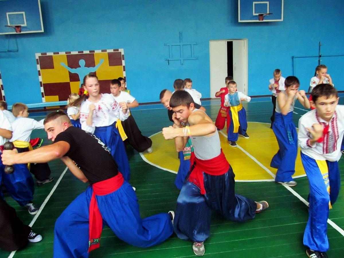 Квалификационный групповой экзамен в школе боевого гопака города Нетешин (Хмельницкая область) (03)