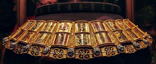 Гербовая цепь герольда Ордена Золотого руна