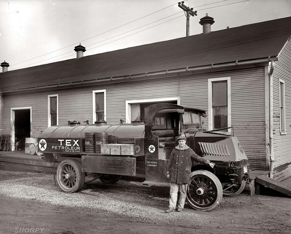 Специализированные транспортные средства начала 20-го века на снимках американских фотографов (52)