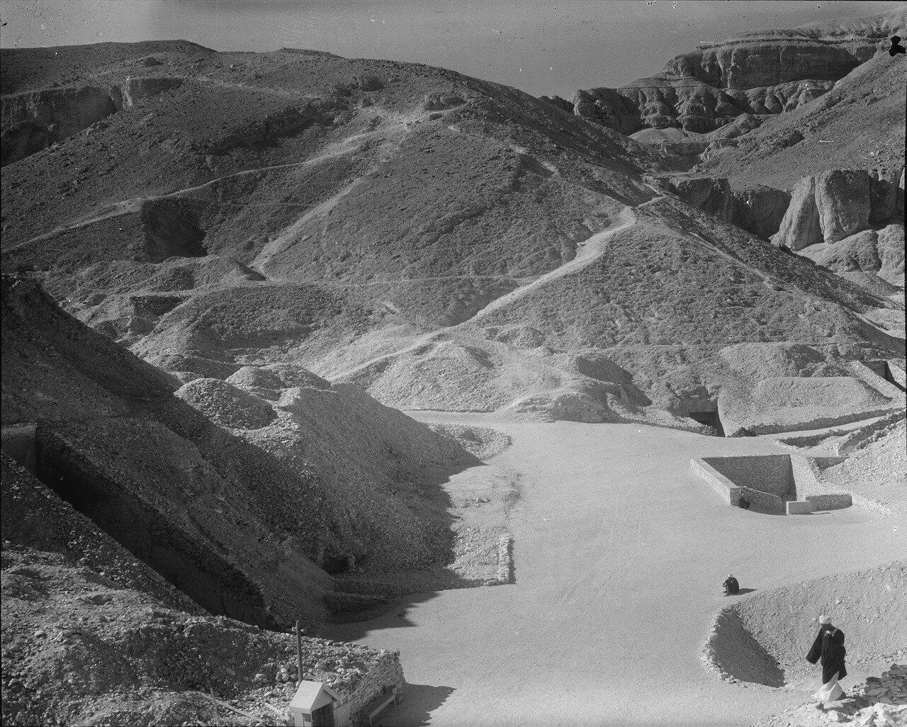 Фивы. Вид с воздуха. Гробница Тутанхамона.1936