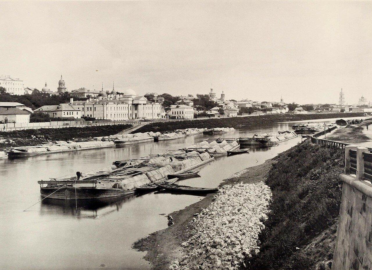 329. Вид из-за Москвы реки от нового Устинского моста