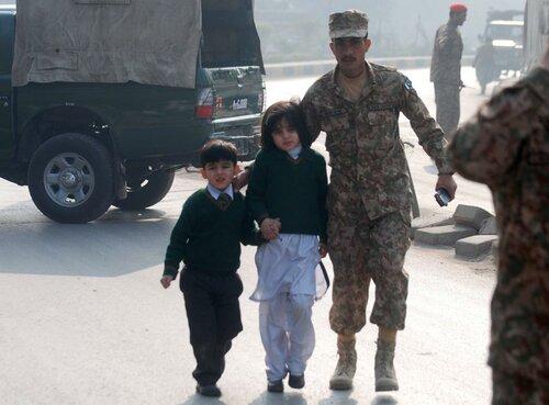 Резня в Пакистане. Удар по Китаю.