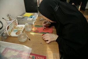 19. Сёстры учатся писать иконы